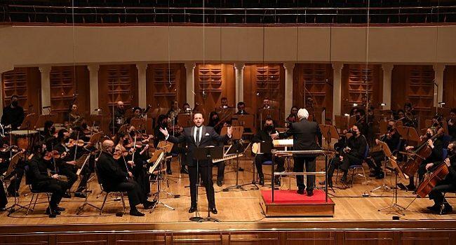 Murat Karahan ile Yeni Yıl Konseri – Müzik