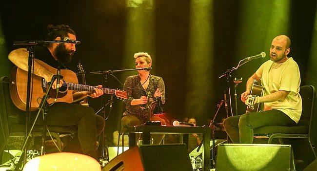 Büyük Ev Ablukada grubundan akustik konser – Müzik